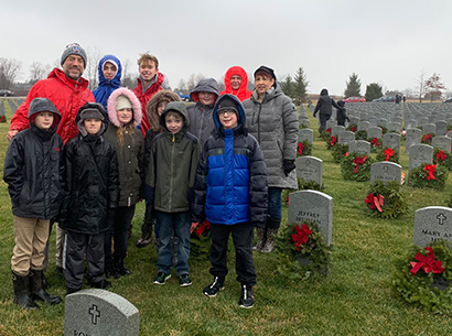 Students at Western Reserve National Cemetery